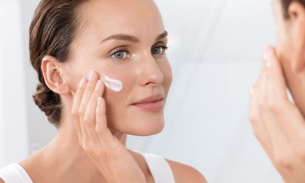 As it is correct to choose the looking after means for oily skin