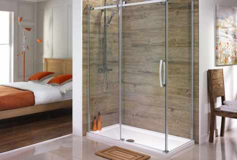 The choice of glass sliding curtain to the bathroom